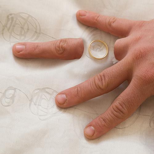 divorce amputated finger