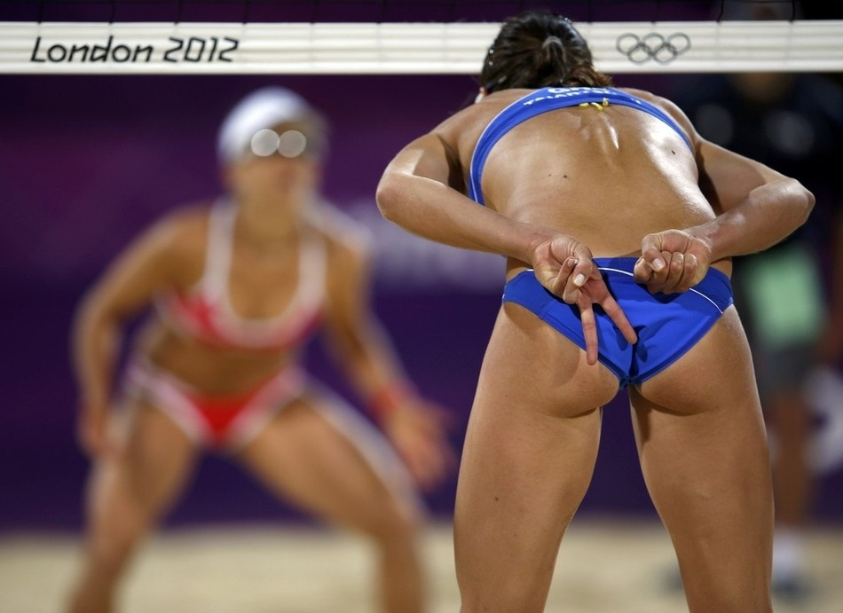 beach volleyball butt