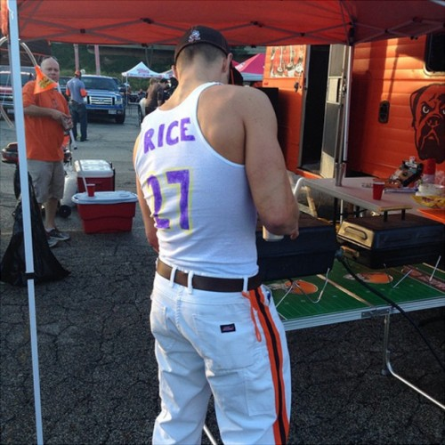 ray rice wifebeater jersey
