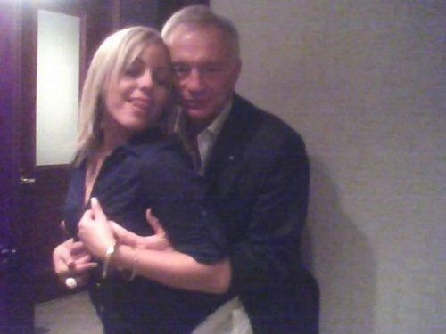 jerry jones with bimbo