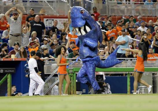marlins mascot race